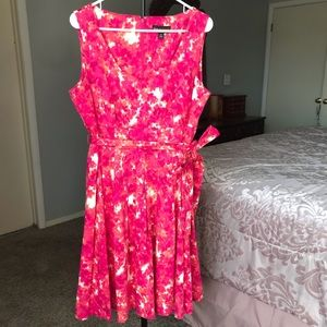 Dana Buchman Pink Floral Crew Neck Dress Size 14